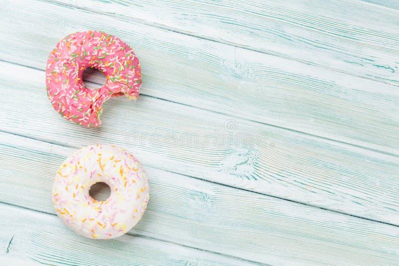 ζωηρόχρωμα donuts στοκ εικόνες