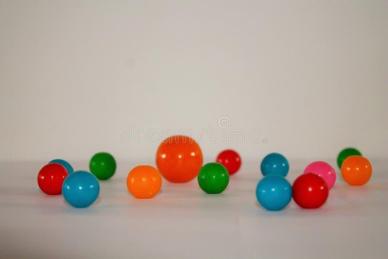 ζωηρόχρωμα gumballs στοκ φωτογραφίες