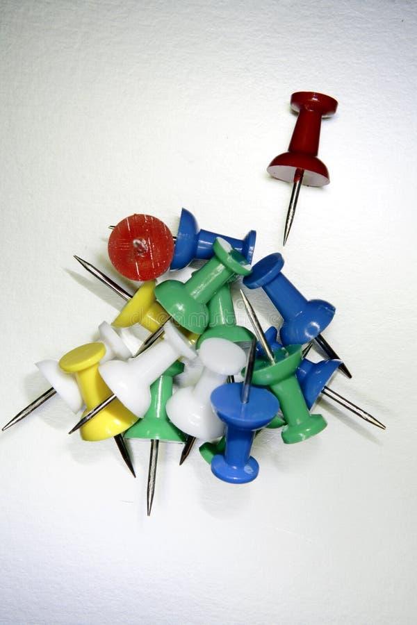 Ζωηρόχρωμα pushpins στοκ εικόνα με δικαίωμα ελεύθερης χρήσης