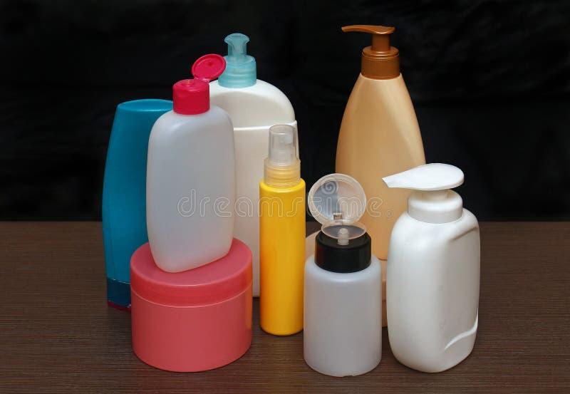 Ζωηρόχρωμα toiletries στοκ εικόνα με δικαίωμα ελεύθερης χρήσης