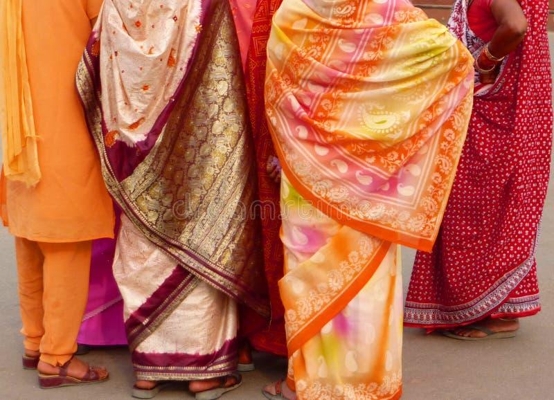 ζωηρόχρωμες ινδικές γυνα στοκ εικόνες