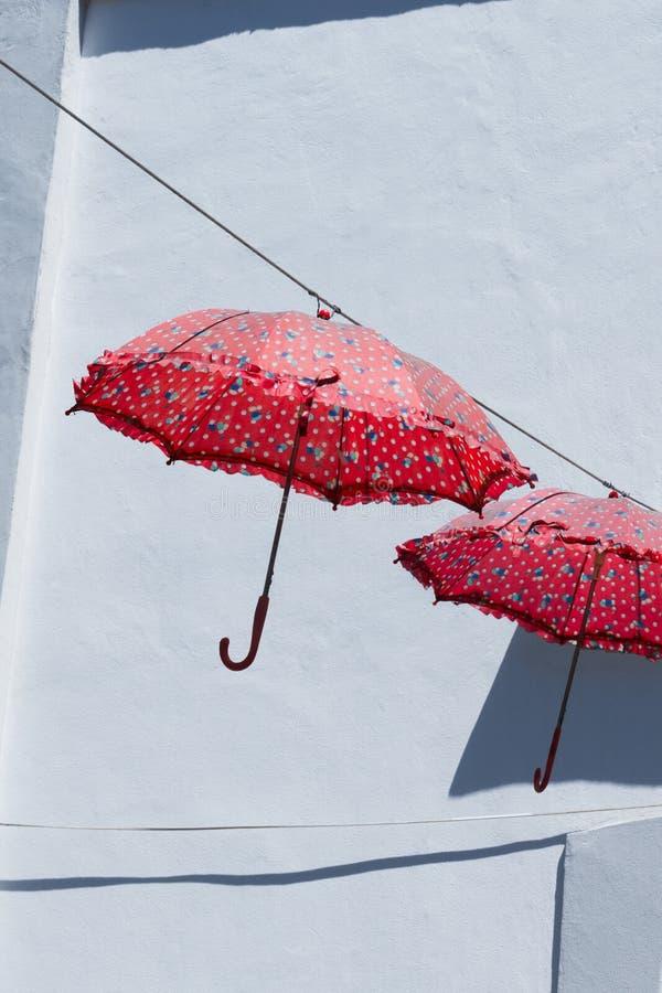 Ζωηρόχρωμες ομπρέλες στον ουρανό στην οδό αγορών, Puerto Vallarta στοκ εικόνες