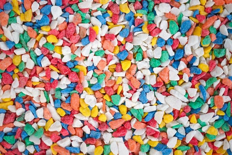 ζωηρόχρωμες πέτρες Μια κλειστή επάνω σύσταση των διακοσμητικών ζωηρόχρωμων πολύχρωμων πετρών για τη διακόσμηση δοχείων εγκαταστάσ στοκ φωτογραφίες με δικαίωμα ελεύθερης χρήσης