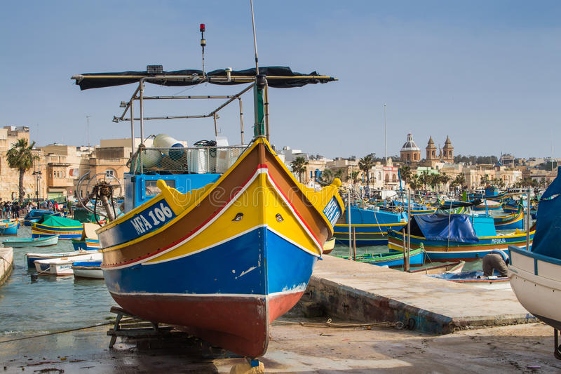Ζωηρόχρωμη βάρκα, νησί Μάλτα στοκ εικόνα με δικαίωμα ελεύθερης χρήσης