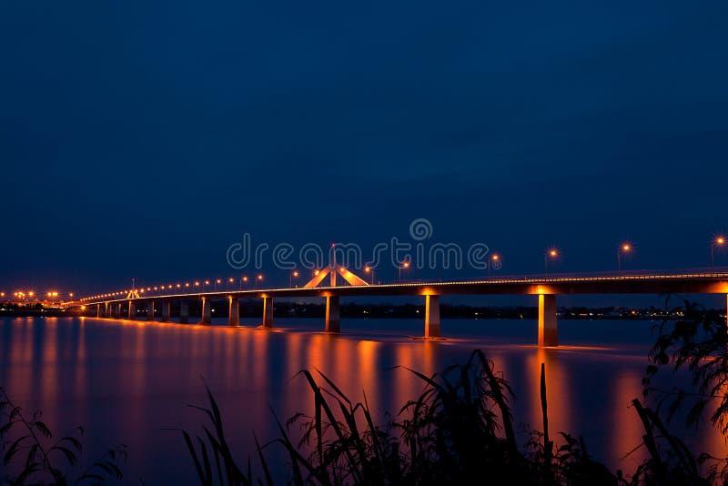 Ζωηρόχρωμη γέφυρα φιλίας στοκ φωτογραφία με δικαίωμα ελεύθερης χρήσης
