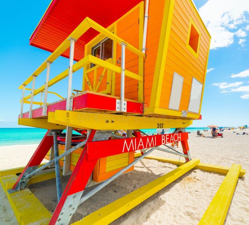 Ζωηρόχρωμη καλύβα lifeguard στο παγκοσμίως διάσημο Μαϊάμι Μπιτς στοκ εικόνες με δικαίωμα ελεύθερης χρήσης