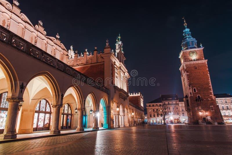 Ζωηρόχρωμη νύχτα της Κρακοβίας στοκ φωτογραφία με δικαίωμα ελεύθερης χρήσης