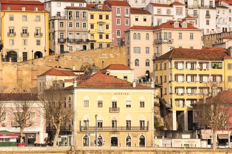 Ζωηρόχρωμη πανοραμική άποψη Κοΐμπρα Πορτογαλία στοκ εικόνα