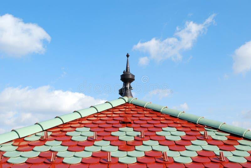 Download ζωηρόχρωμη στέγη στοκ εικόνες. εικόνα από αρχιτεκτονικής - 13179170