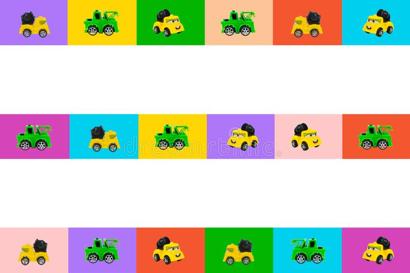 Ζωηρόχρωμη συλλογή του αναδρομικού προτύπου αυτοκινήτων παιχνιδιών με την πλάγια όψη σχετικά με το ζωηρόχρωμο υπόβαθρο Πράσινος,  στοκ εικόνες