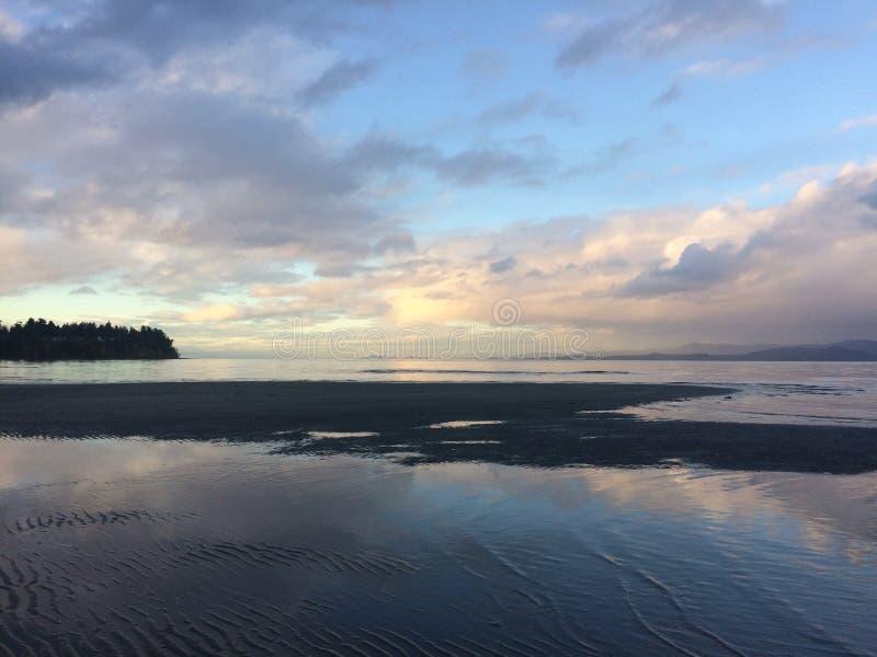 Ζωηρόχρωμοι beachy ουρανοί στοκ εικόνα