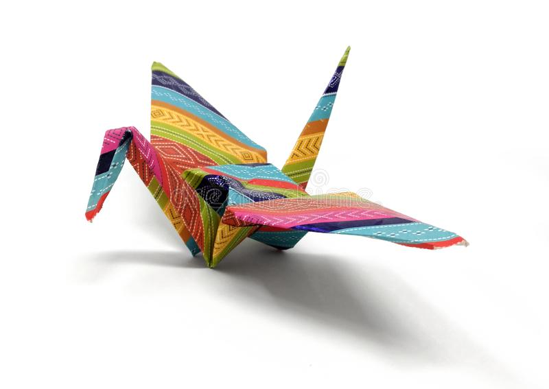 Ζωηρόχρωμος γερανός Origami από το διαμορφωμένο έγγραφο στοκ φωτογραφία με δικαίωμα ελεύθερης χρήσης