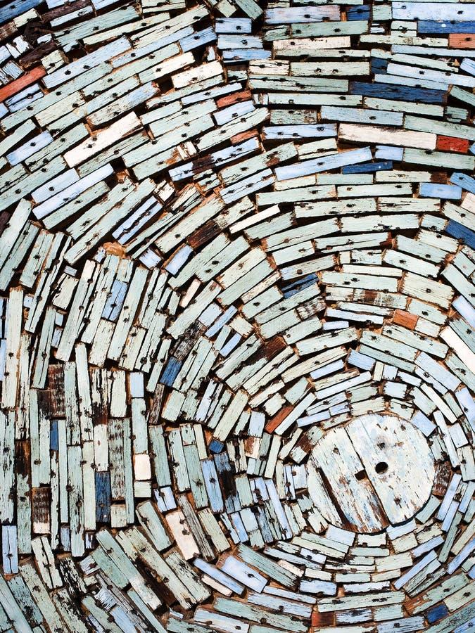 Ζωηρόχρωμος ξύλινος τοίχος απορρίματος στοκ εικόνα με δικαίωμα ελεύθερης χρήσης