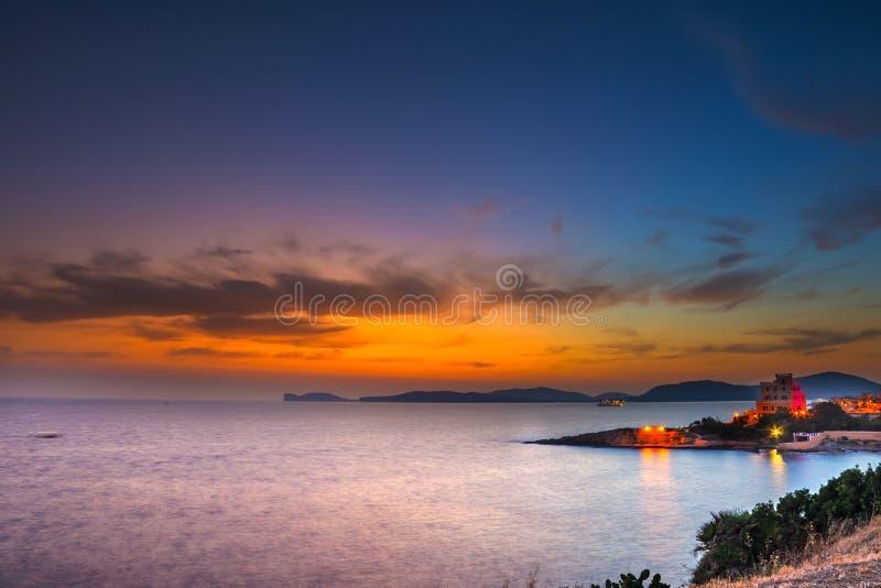 Ζωηρόχρωμος ουρανός πέρα από Alghero στοκ φωτογραφίες με δικαίωμα ελεύθερης χρήσης