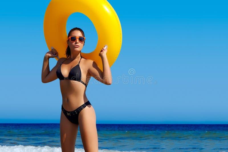 Ζωηρόχρωμο καλοκαίρι. Suntan στοκ φωτογραφία με δικαίωμα ελεύθερης χρήσης
