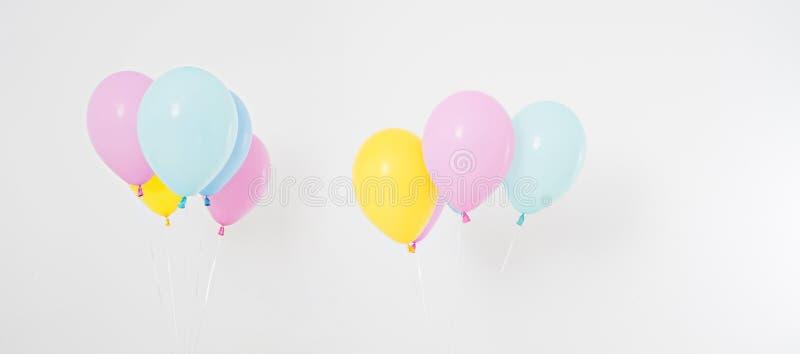 Ζωηρόχρωμο κολάζ υποβάθρου μπαλονιών κομμάτων, σύνολο Εορτασμός, διακοπές, θερινή έννοια πρότυπο εστιατορίων σχεδίου έννοιας κενό στοκ φωτογραφία