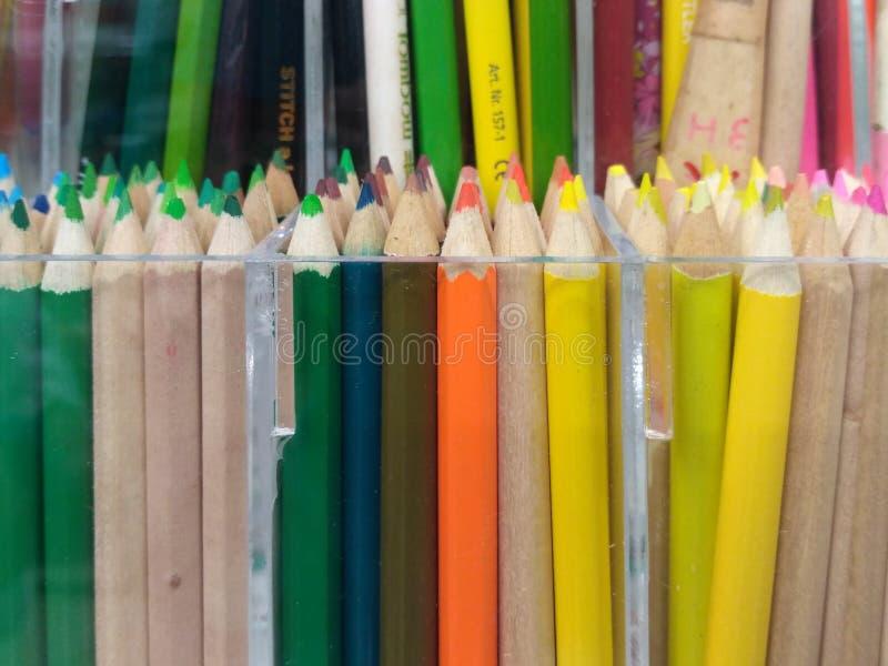 Ζωηρόχρωμο μολύβι χρώματος στοκ εικόνα με δικαίωμα ελεύθερης χρήσης