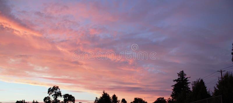 Ζωηρόχρωμο νεφελώδες sunsets-1 στοκ εικόνες