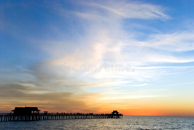 ζωηρόχρωμο νοτιοδυτικό ηλιοβασίλεμα της Φλώριδας στοκ εικόνα με δικαίωμα ελεύθερης χρήσης