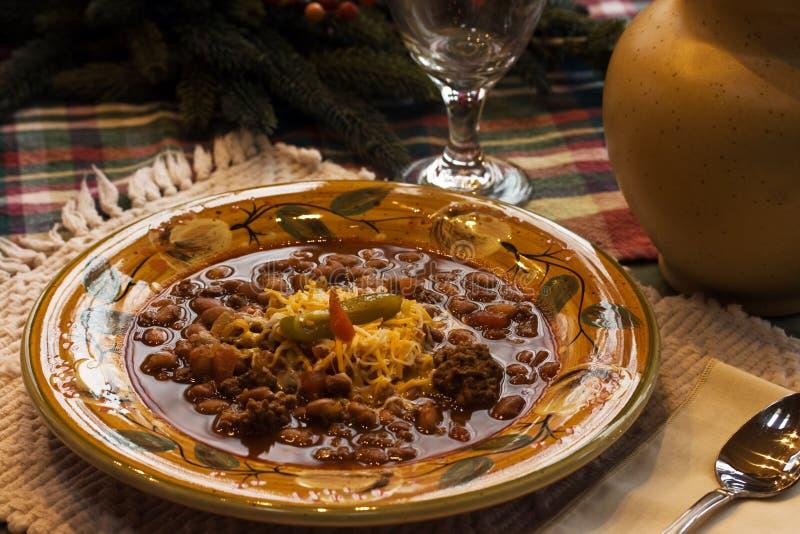 ζωηρόχρωμο πιάτο τσίλι στοκ εικόνα με δικαίωμα ελεύθερης χρήσης