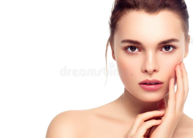 Ζωηρόχρωμο πρόσωπο γυναικών σύνθεσης, όμορφα θερινά makeup WI brunette στοκ εικόνες με δικαίωμα ελεύθερης χρήσης