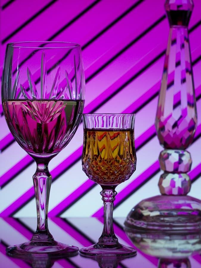 ζωηρόχρωμο ριγωτό κρασί δύ&omicro στοκ φωτογραφία με δικαίωμα ελεύθερης χρήσης