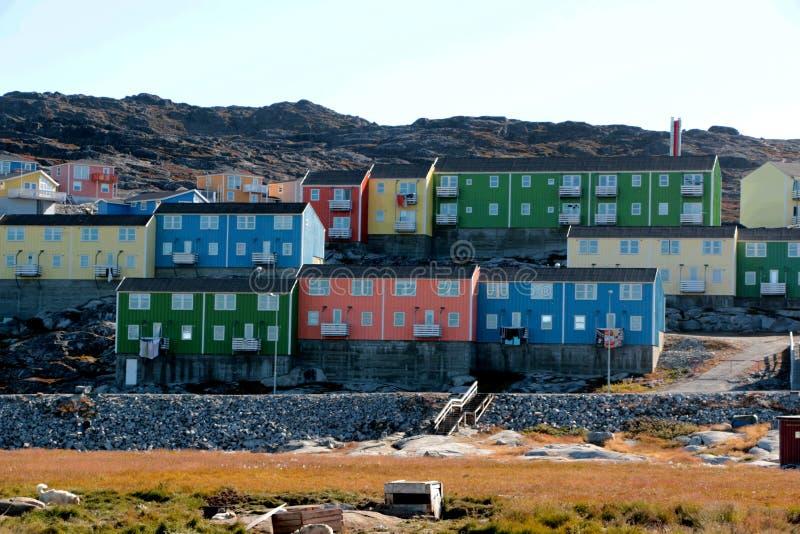 Ζωηρόχρωμο σπίτι στο Ιλούλισσατ, Γροιλανδία στοκ φωτογραφίες