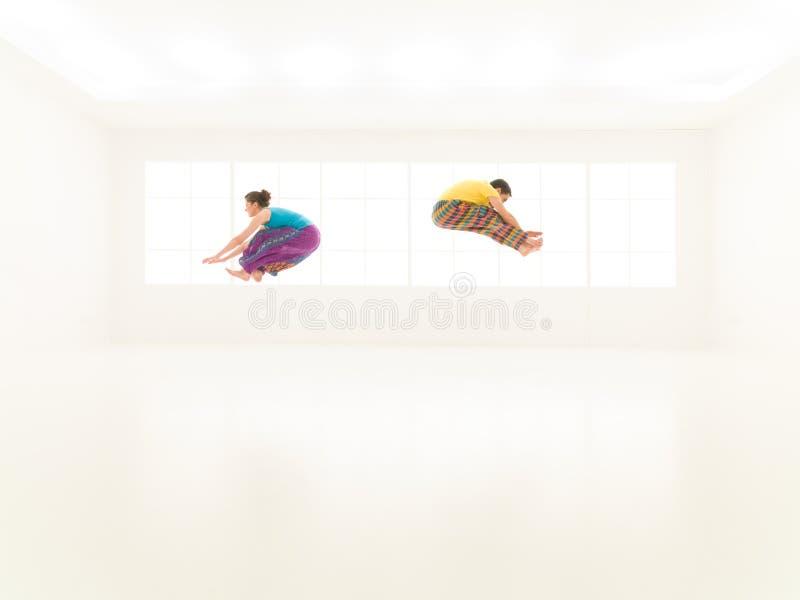 Ζωηρόχρωμο στούντιο ανθρώπων ελεύθερης κολύμβησης στοκ φωτογραφία με δικαίωμα ελεύθερης χρήσης