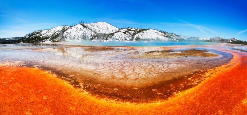ζωηρόχρωμο yellowstone άνοιξη στοκ φωτογραφίες με δικαίωμα ελεύθερης χρήσης