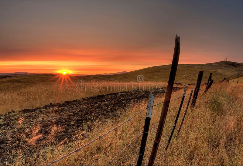Ζωηρό ηλιοβασίλεμα στοκ φωτογραφία με δικαίωμα ελεύθερης χρήσης