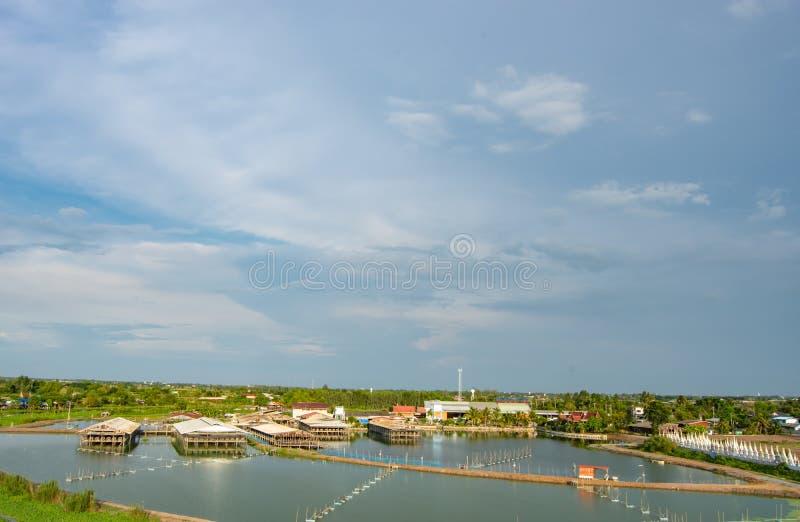 Ζωική κατοικία στις λίμνες ψαριών στην επαρχία στοκ εικόνα
