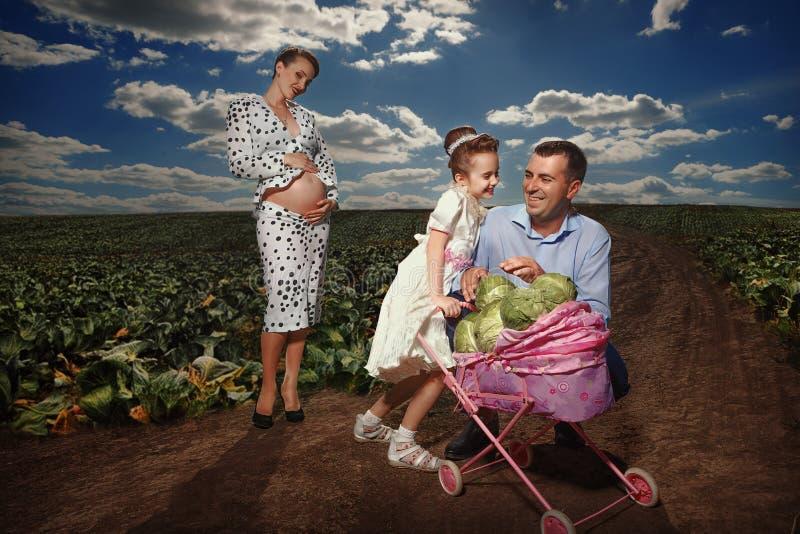 Ζωντανός μια ευτυχής εγκυμοσύνη στοκ εικόνα με δικαίωμα ελεύθερης χρήσης