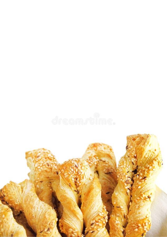 Ζύμη ριπών με το σουσάμι και κύμινο που απομονώνεται στο άσπρο υπόβαθρο στοκ φωτογραφία με δικαίωμα ελεύθερης χρήσης