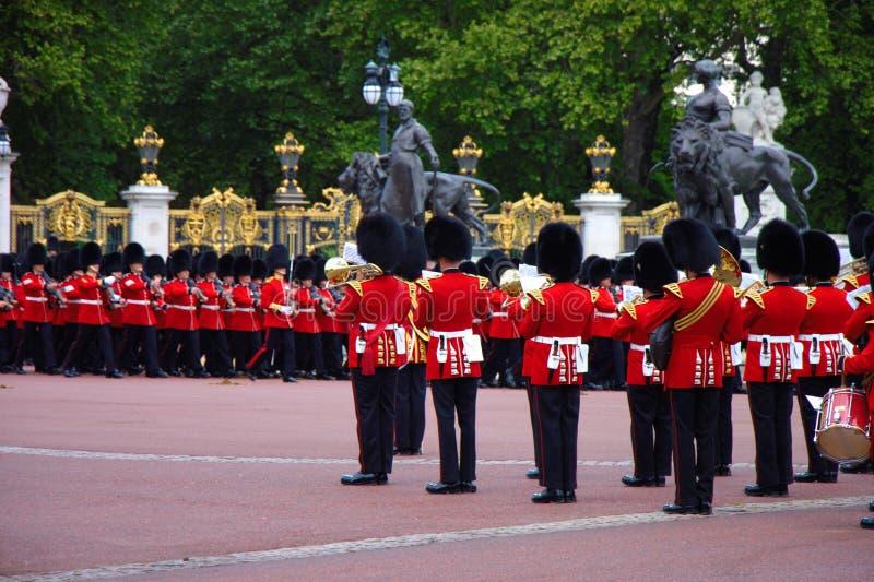 Ζώνη της βασιλικής φρουράς παλατιών στην πρόβα 2019 εορτασμού γενεθλίων βασιλισσών Παλάτι Buckingham, Λονδίνο, UK στοκ φωτογραφία