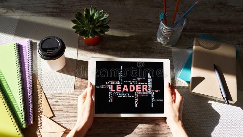 Ηγέτης, σύννεφο λέξεων έννοιας ηγεσίας, στην οθόνη συσκευών στοκ εικόνες με δικαίωμα ελεύθερης χρήσης
