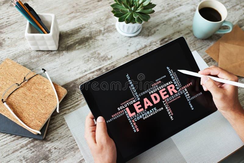 Ηγέτης, σύννεφο λέξεων έννοιας ηγεσίας, στην οθόνη συσκευών στοκ φωτογραφία με δικαίωμα ελεύθερης χρήσης