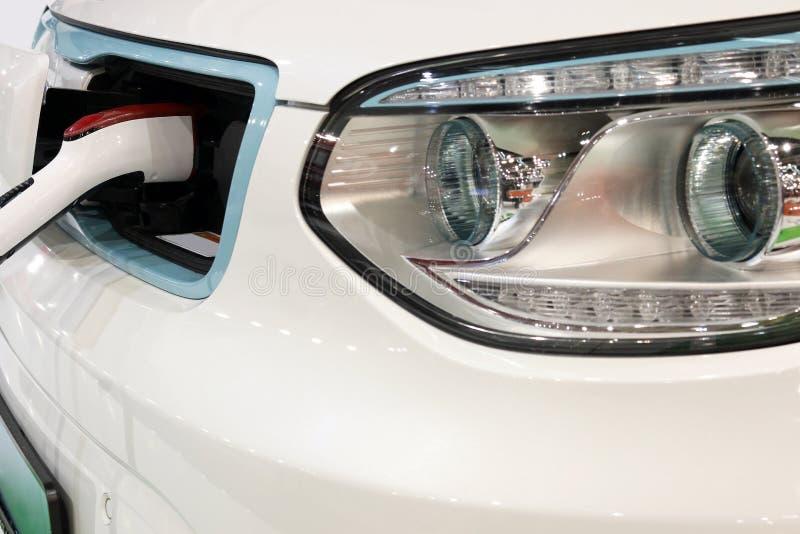 Ηλεκτρική δαπάνη αυτοκινήτων στοκ φωτογραφία με δικαίωμα ελεύθερης χρήσης