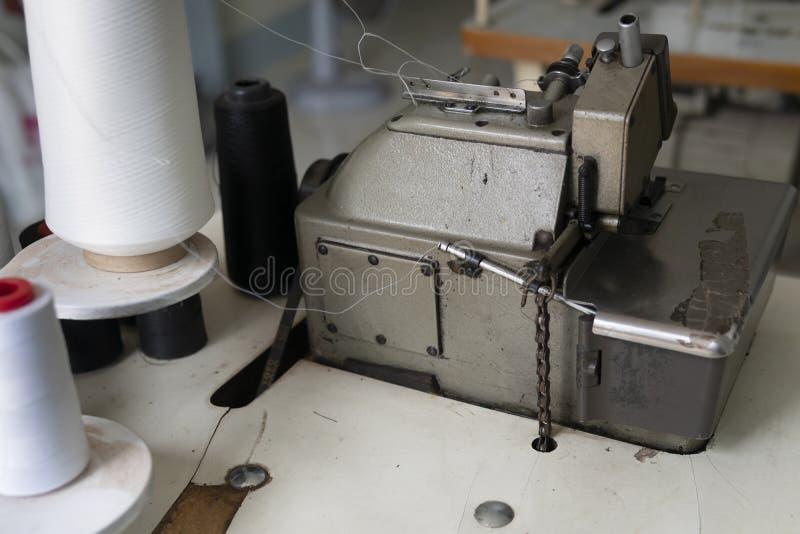 Ηλεκτρική ράβοντας μηχανή στοκ εικόνα