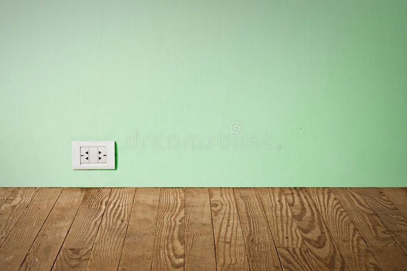 ηλεκτρικός παλαιός τοίχ&omic στοκ φωτογραφία με δικαίωμα ελεύθερης χρήσης