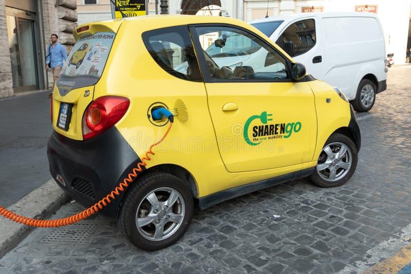 """Ηλεκτρικό αυτοκίνητο ΜΚΟ μεριδίου """" στοκ εικόνα με δικαίωμα ελεύθερης χρήσης"""