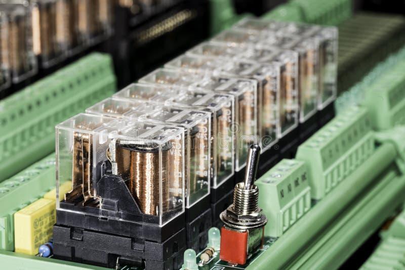 Ηλεκτρομαγνητικοί ηλεκτρονόμοι στοκ φωτογραφίες