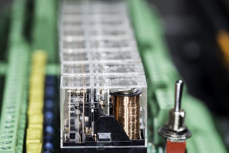 Ηλεκτρομαγνητικοί ηλεκτρονόμοι στοκ εικόνες