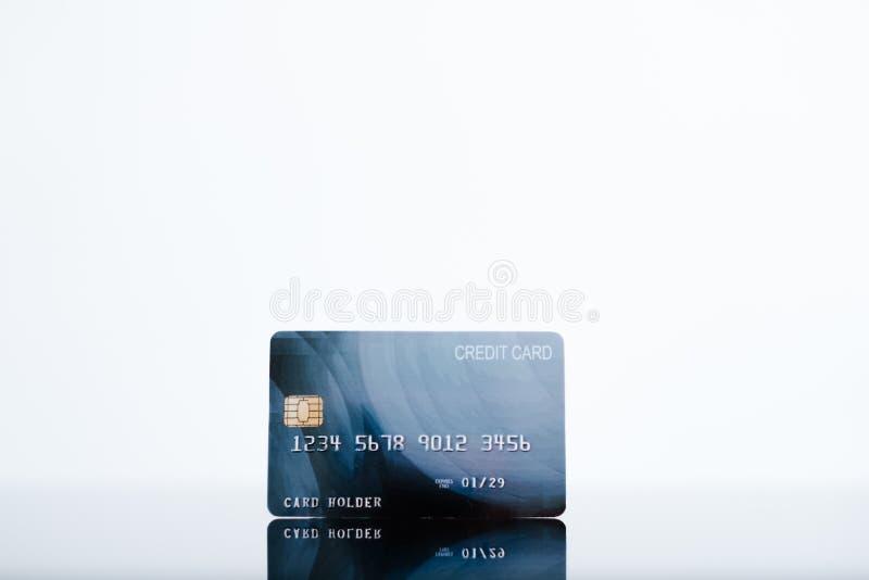 Ηλεκτρονικά χρήματα τραπεζών υποβάθρου πιστωτικών καρτών άσπρα στοκ φωτογραφίες