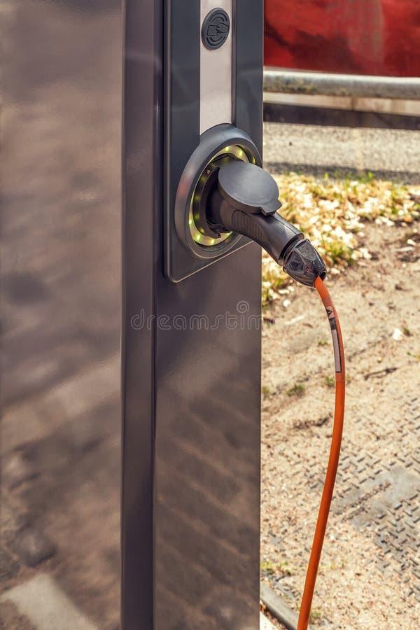 Ηλεκτρο κινητός σταθμός χρέωσης στοκ φωτογραφία