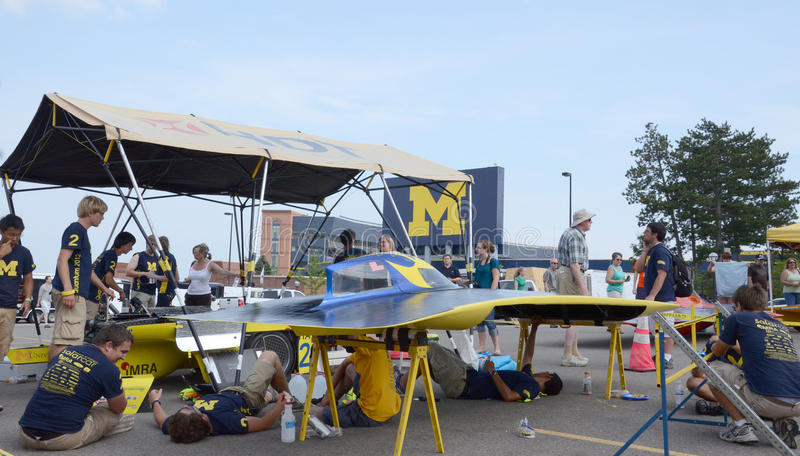 Ηλιακή ομάδα αυτοκινήτων Πανεπιστήμιο του Michigan στοκ εικόνες