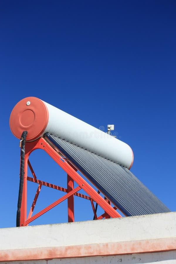 ηλιακό ύδωρ θερμαστρών στοκ φωτογραφία με δικαίωμα ελεύθερης χρήσης