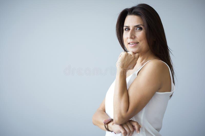 ηλικίας μέση γυναίκα πορτ&rh στοκ εικόνες