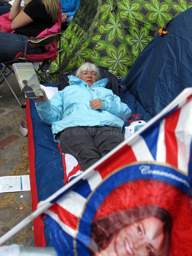 ηλικιωμένη γυναίκα ανεμι&si στοκ φωτογραφία με δικαίωμα ελεύθερης χρήσης