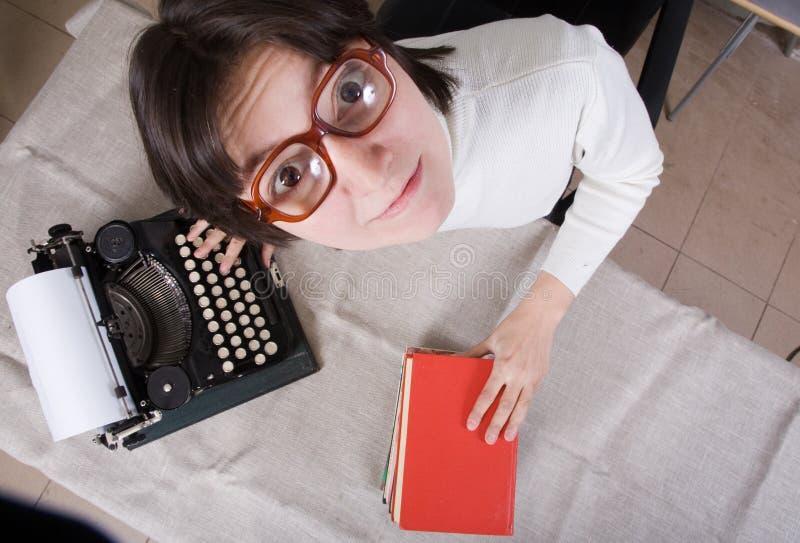 ηλικιωμένη γυναίκα γραφο στοκ φωτογραφία