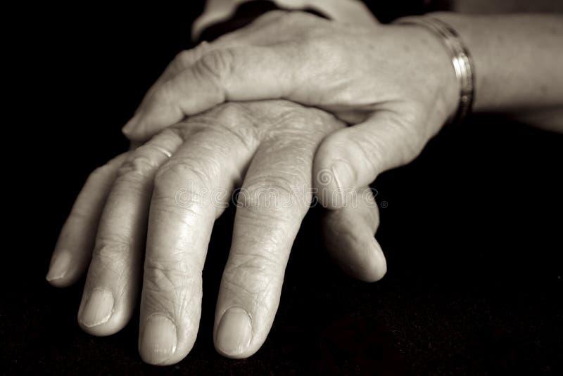 ηλικιωμένοι προσοχής στοκ φωτογραφία